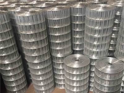 There are many rolls of welded silt fence wire meshes.